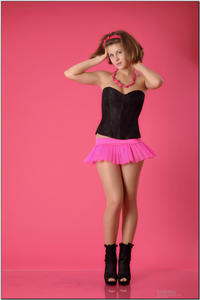 http://img154.imagevenue.com/loc163/th_254502156_tduid300163_sandrinya_model_pinkmini_teenmodeling_tv_018_122_163lo.jpg