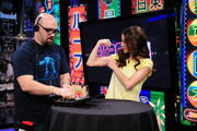 Candace Bailey - AOTS! Enjoying Electro Stimulation (14xUHQ)