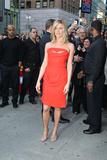 http://img154.imagevenue.com/loc253/th_64944_JenniferAniston2011_05_05_arrivingatSephorainNewYorkCity14_122_253lo.jpg