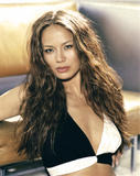 The actress Moon Bloodgood started her career by modeling for the cosmetic giants Revlon, Clairol and Avon. She is also an ex-Los Angeles Laker Girl, who has performed as a dancer with Prince, Brandi and the Offspring. Her television credits include 'Just Shoot Me,' 'C.S.I.' and 'North Shore' and made her film debut as the gorgeous woman in 'Win a Date with Tad Hamilton' in 2004. Moon Bloodgood's most well-known role came as Katie in the Disney hit movie 'Eight Below. Foto 32 (Актриса Мун Бладгуд начал свою карьеру в моделировании для косметического гиганта Revlon, Clairol и Avon.  Фото 32)