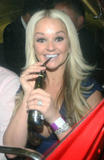 Дженнифер Эллисон, фото 900. Jennifer Ellison leaving the Ghost of Musical in London, july 19, foto 900