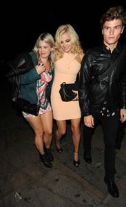 http://img154.imagevenue.com/loc519/th_978615922_Pixie_Lott_Leaving_the_Rose_Club_in_London_September_16_2012_09_122_519lo.jpg