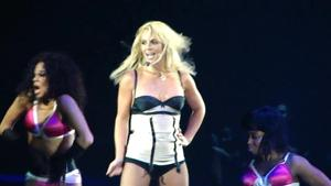 http://img154.imagevenue.com/loc66/th_646890231_BritneySpear_HAIBCSTBs.avi_20141214_153326.234_123_66lo.jpg