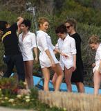 "Blake Lively/Emma Roberts/Kristen Stewart/Amanda Seyfried-""Leggy"" Malibu Beach Photoshoot 5/3 HQx32"